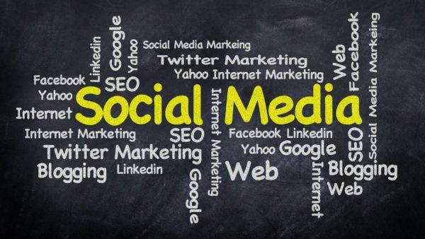 Ne surtout pas négliger pas les réseaux sociaux !